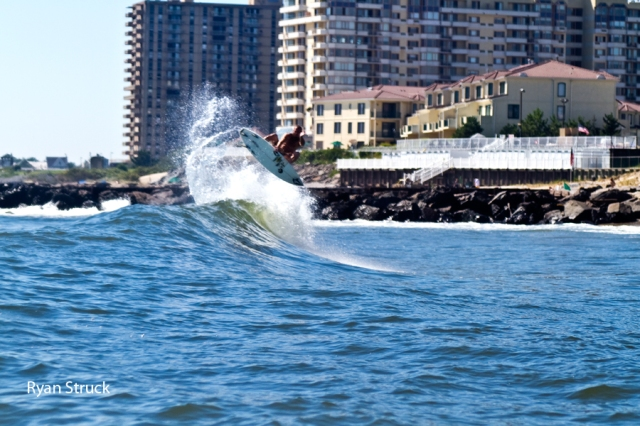 mike gleason front side air. how to do an air in surfing. mike gleason new jersey. surf photographer. red bull image.