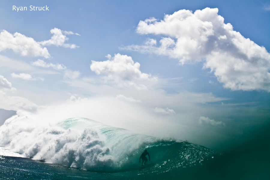 pipeline. hawaii. surfing in hawaii. surf photographer. november 2012. hawaii surf report. north shore. oahu.
