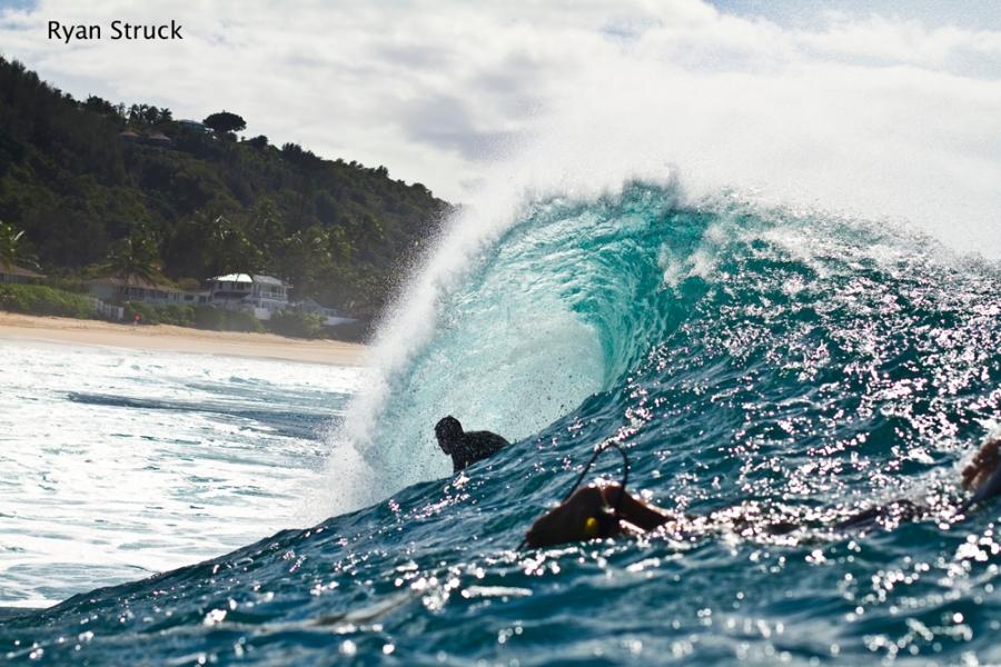 pj raia. hawaii. surf photography. surf photographer. water shot. long lens. pipeline. waves in hawaii.