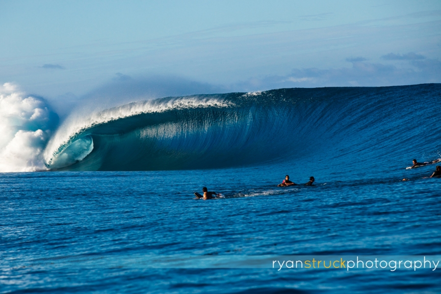 surfing photo. big waves. surf lifestyle. beachwear. photographer. pacific ocean. ocean inspiration.