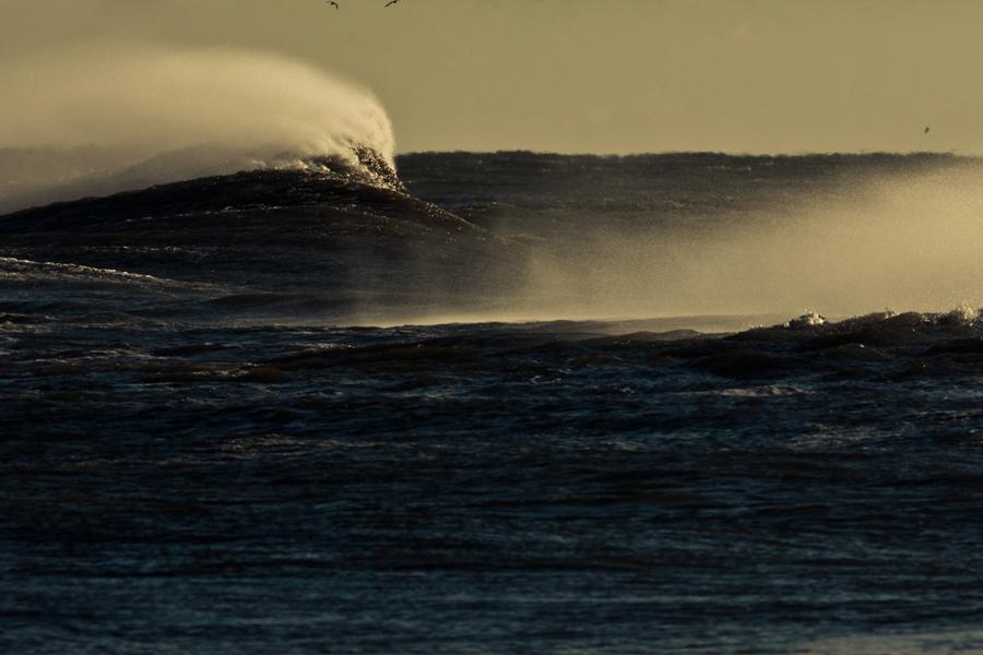 big waves. environment.
