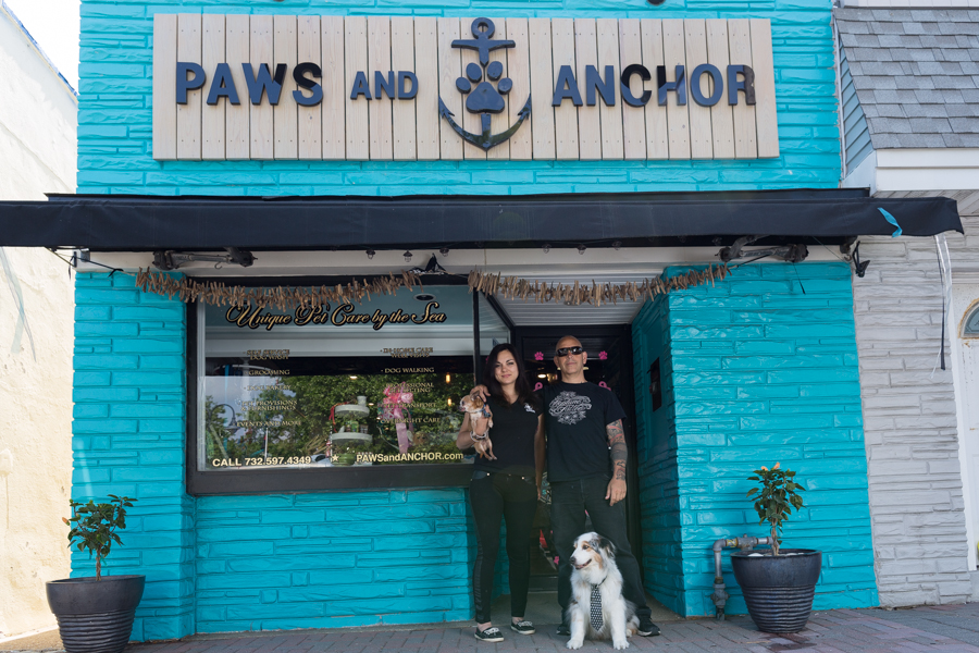 paws and anchor store front